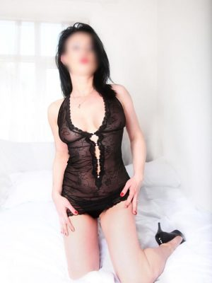 Russian escort in Kanjurmarg